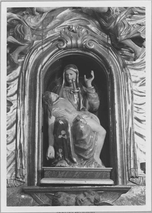 Statue (demi-nature) : Notre Dame des sept douleurs