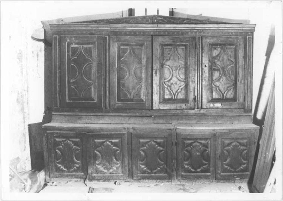 Meuble de sacristie à deux corps