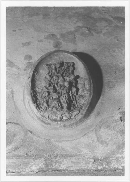 Bas-relief : la Descente de Croix