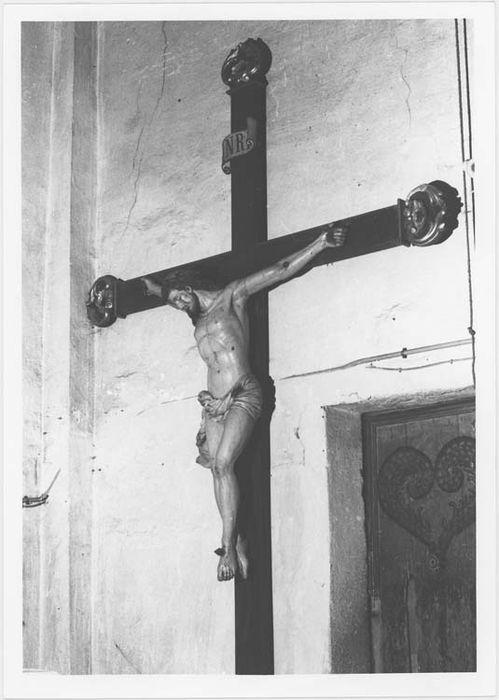 statue : Christ en croix – n°1, vue générale