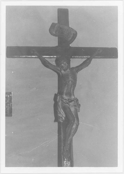 Statue : Christ en croix - n°2