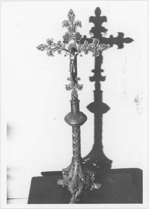 croix d'autel n°2, vue générale