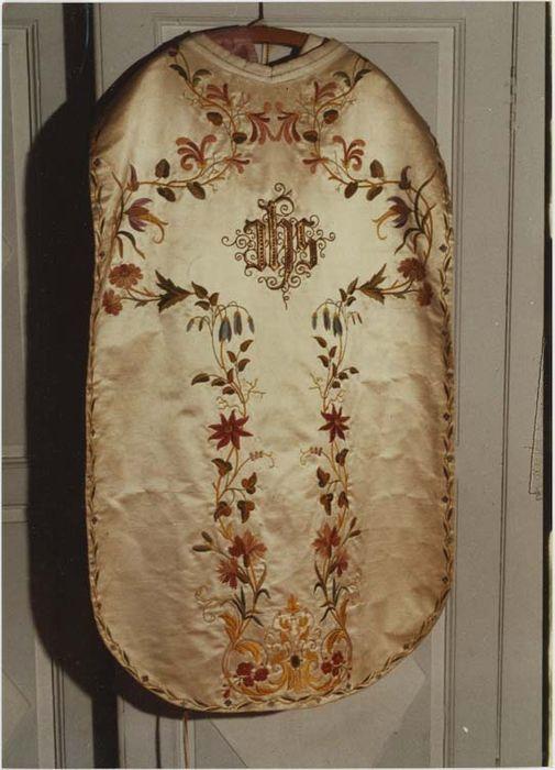 chasuble (ornement blanc), vuegénérale