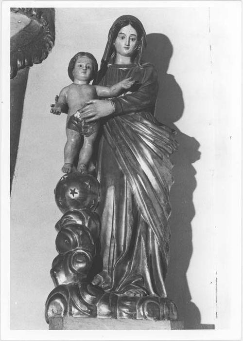 statue (petite nature) : Notre Dame des Victoires, vue générale