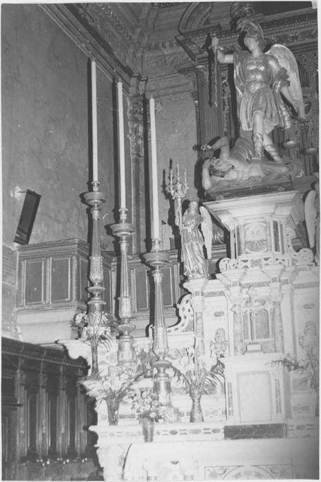 chandelier du maître-autel, vue générale