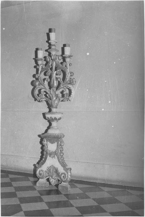 chandelier (candélabre à trois branches), vue générale