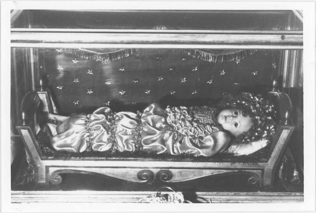 Paradis : la santa Bambina