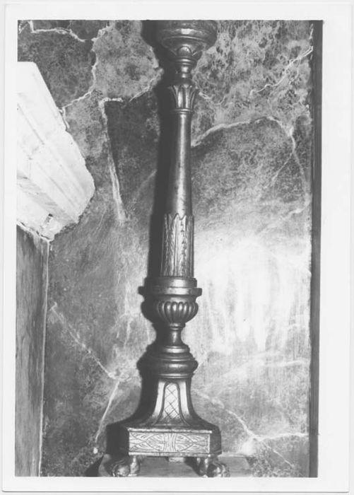 chandelier de l'autel de la chapelle de Notre-Dame des Douleurs, vue générale