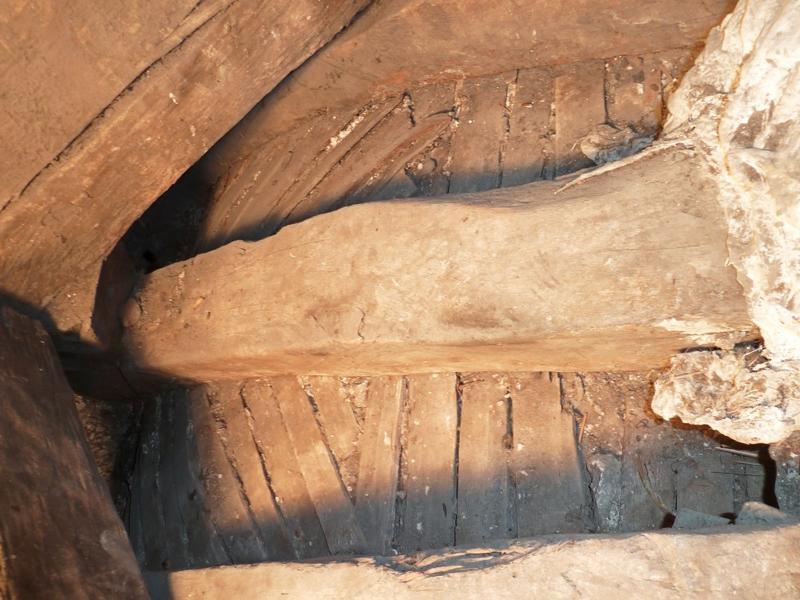 Plafond: arceau principal de l'extrados du pendentif sud-ouest.