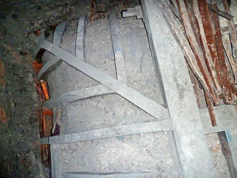 Plafond à voussures, extrados, angle nord-est.
