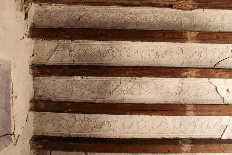 Plafond à entrevous plâtre; angle sud-est