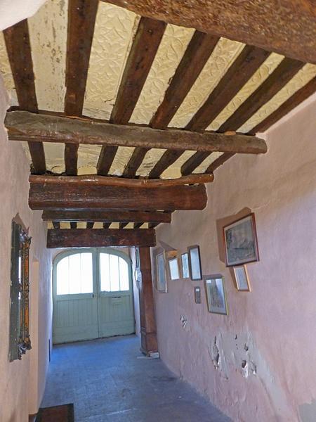 Plafond à entrevous plâtre, vue d'ensemble vers le haut