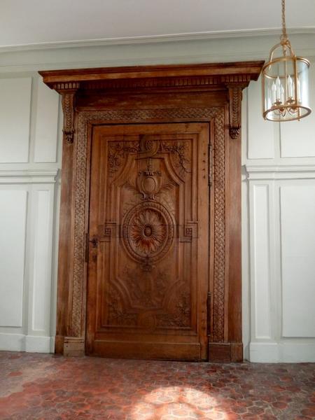Escalier des Grands Hommes, 2e étage. Porte