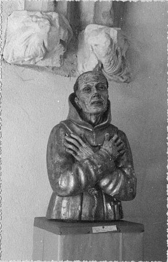 Buste-reliquaire : de saint Pierre d'Alcantara, bois sculpté, doré et peint (face)