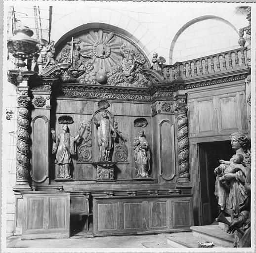 Retable, statues (3) : retable architecturé dit de Saint-Ignace, statues du saint, de saint François Xavier et de saint Stanislas Kotska (?)