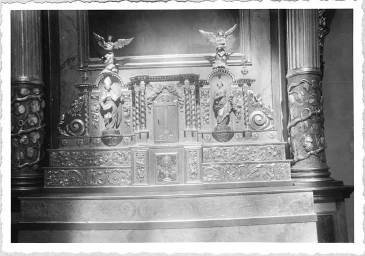Tabernacle, statues (4) : tabernacle architecturé et quatre statuettes, bois sculpté, peint, doré ; après restauration