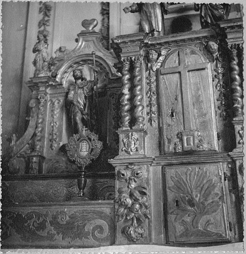 Tabernacle, statue : 'Saint Roch', niche architecturée, bois sculpté, peint, doré