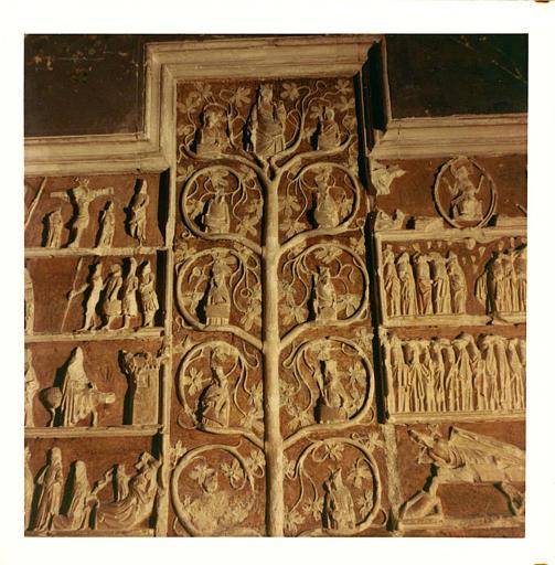 Bas-relief : 'L'arbre de Jessé', détail de la partie centrale, pierre sculptée, peinte
