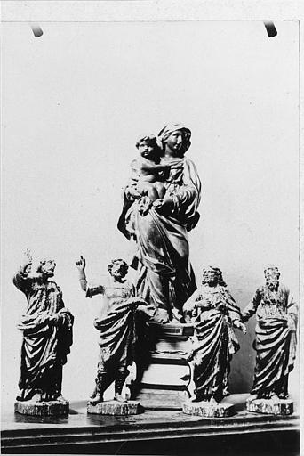 Statues (5) : 'Vierge à l'Enfant', quatre Apôtres, bois sculpté, peint