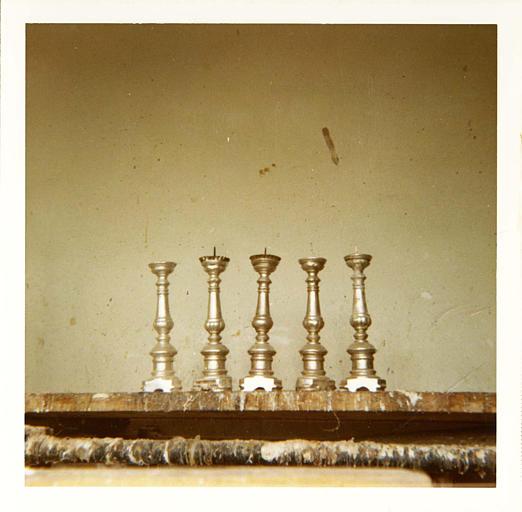 Chandeliers d'autel (5) : chandeliers de forme balustre, bois tourné et argenté