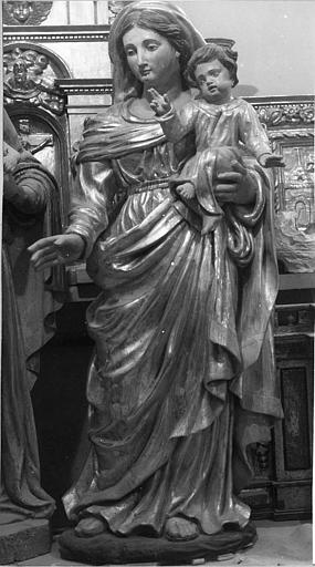 Groupe sculpté : 'Vierge à l'Enfant', bois sculpté, peint ; après restauration