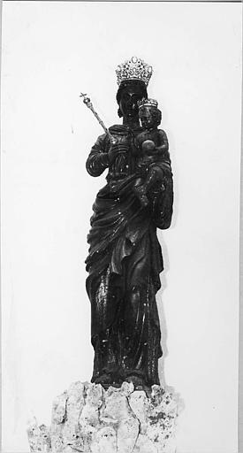 Groupe sculpté : 'Vierge à l'Enfant', couronnés, la Vierge tient un sceptre, bois sculpté