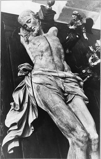 Statue : 'Christ en croix', bras et croix manquants, bois sculpté