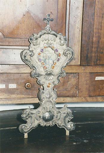 Reliquaire de la Vraie Croix : reliquaire- ostensoir en argent plaqué sur âme de bois et verroterie