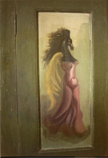 Peinture monumentale : femme ailée à tête de cheval noir, peinte sur une porte de meuble