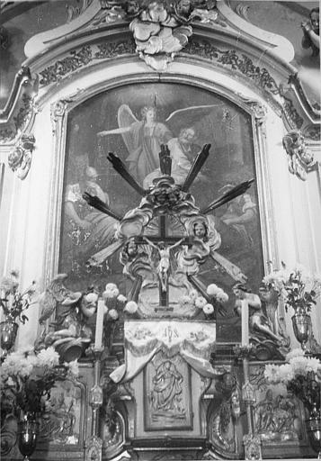 Tabernacle, exposition, tableau : 'Saint Pierre délivré de sa geôle par un ange', tabernacle sculpté de bas-reliefs