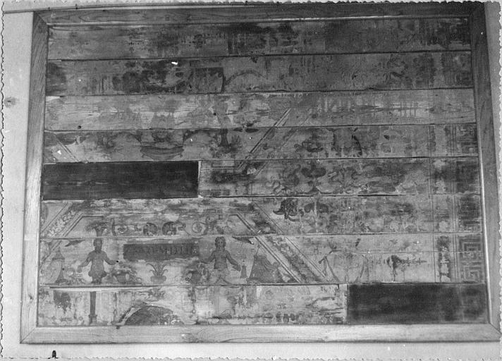 Lambris de revêtement : fragment, motifs de termes, rinceaux, cornes d'abondance, panneaux peints