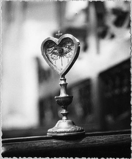 Reliquaire-monstrance de Saint Jean François Régis : en forme de coeur, argent