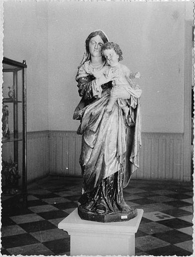 Groupe sculpté : 'Vierge à l'Enfant', bois sculpté, peint