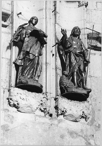 Statues (2) : 'Saint Vincent de Saragosse', 'Saint Jean-Baptiste, bois sculpté, doré