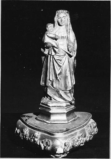 Groupe sculpté (statuette) : 'Vierge à l'Enfant dite Notre-Dame-du-Rhône', statuette, bois sculpté, doré
