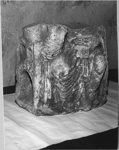 Statue : 'Christ en majesté', fragment