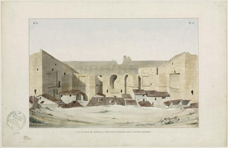 Théâtre antique : vue du mur de scène, état ancien