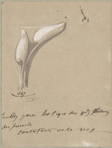 Nef, feuilles pour les tiges des grands fleurons des pinacles des contreforts