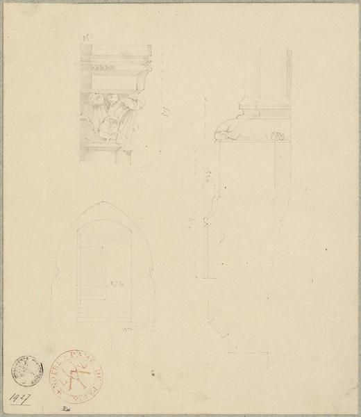 Chapiteau et base de colonne engagée non localisés. Coupe sur une porte et un escalier