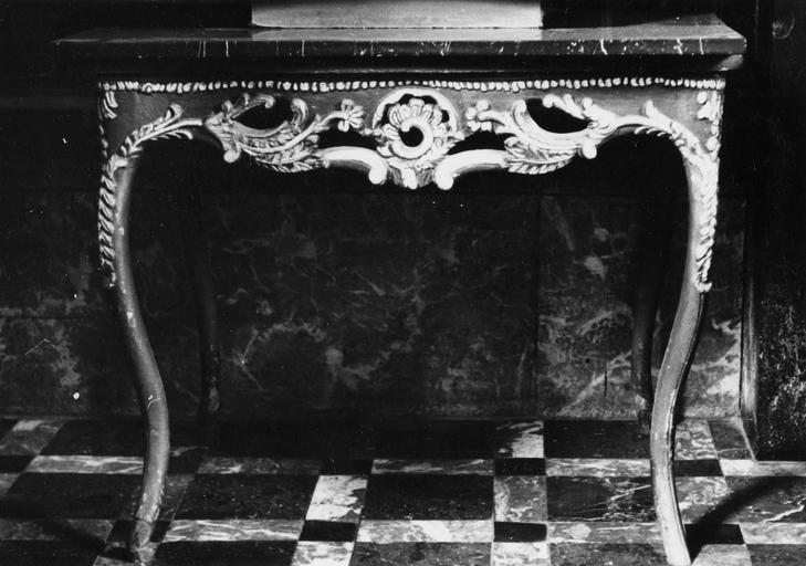table, choeur de l'église côté nord, bois peint et doré