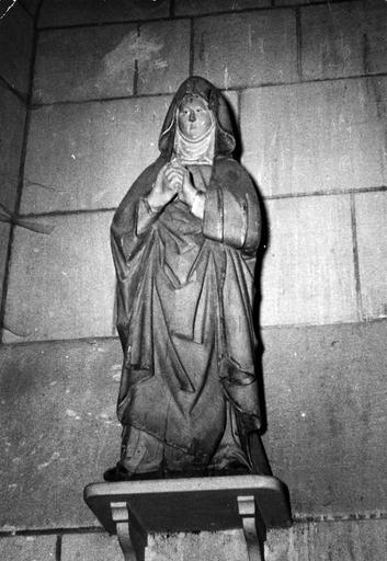 Statue : Vierge de calvaire, bois polychrome