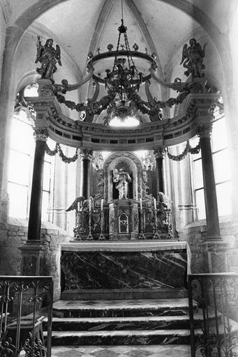 Maître-autel, tabernacle, retable et baldaquin, pierre, marbre