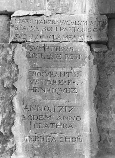 Maître-autel, inscription au revers de l'autel, pierre, marbre