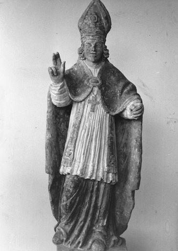 Statue : saint Martin, pierre polychrome, après restauration
