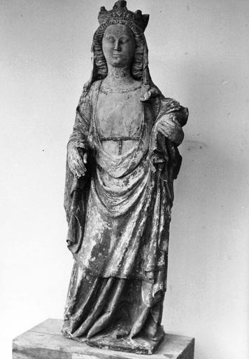 Statue : Vierge à l'Enfant, pierre polychrome, après restauration
