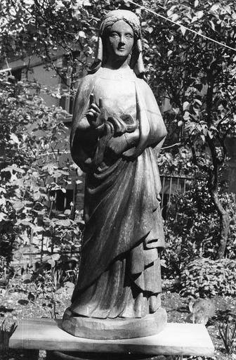 Statue : sainte Agathe ou sainte Avoye, bois
