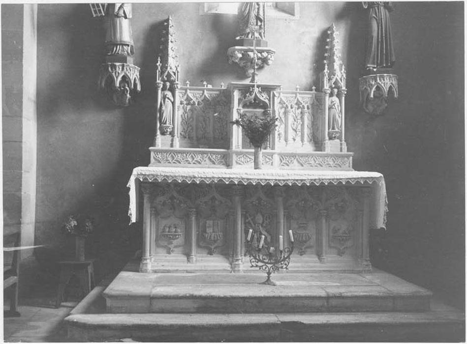 Autel latéral sud et son tabernacle