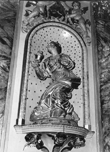 Autel, retable, 2 statues, tableau (maître-autel, statuette) : saint Jérome, sainte Madeleine, Christ en croix (le)