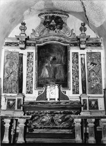 Autel, retable, tabernacle, tableau (maître-autel) : saint Pierre en prière