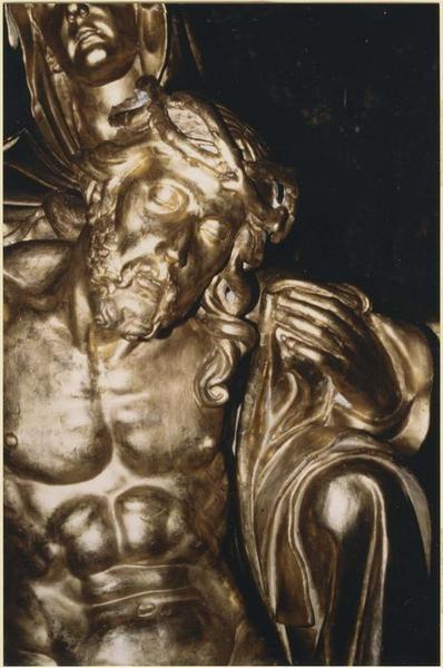 Statue : Vierge de Pitié, détail